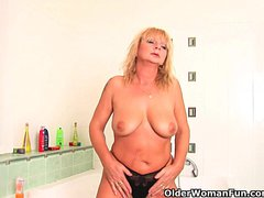 Preview 5 of Chunky Grandma With Hanging Big Tits Rubs Her Old Clit