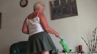 Older woman Jenna Covelli sucking and fucking 2 large cocks at same time № 223982 бесплатно