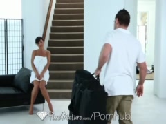 Preview 3 of Puremature - Career Woman Lisa Ann Unwind With A Sexy Message