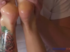 Preview 7 of Massage Rooms Hot Brunette Rims Stud Before She Has Squirting Orgasm