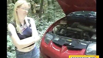 Mature blonde sucking dick fo