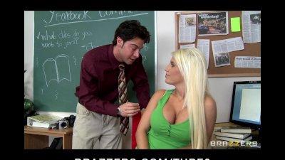 Bigtit blonde college slut fuc