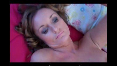 Horny milf dildoing and get rub by cameraman