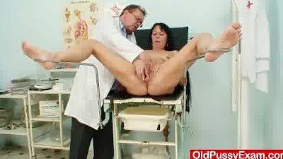 Hot domina lady performs filth