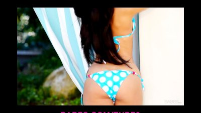 Gorgeous bikiniclad brunette strips down poolside to masturbate
