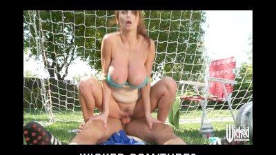 Bigtit British redhead Soccer