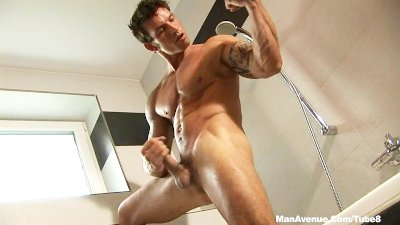 Hot Muscle Guy Big Dick Fingerfucks Himself With Legs Spread Nice and Wide