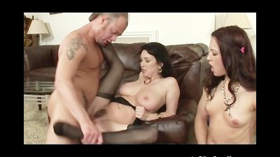 MILF Rayveness and Teen Daughter Kinky Threesome