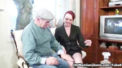 Redhead doublefucked