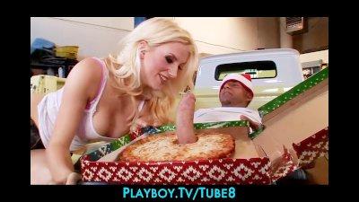 Bigtit blonde slut gets a surprise at work