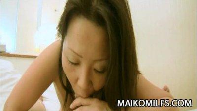 MILF Japanese Kumiko Katsura submit her pussy for sex
