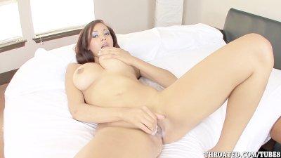 Exotic Beauty Selena Ali Loves To Deep Throat Cock