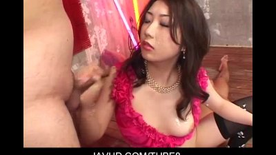 Lewd asian babe Hatsumi Kudou slurp and sucking cocks