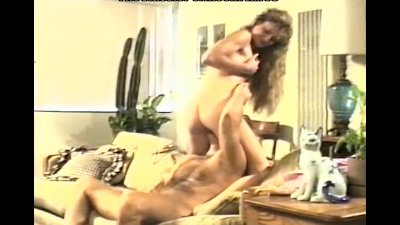 Quick motel fucking in doggy pose
