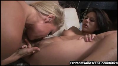 Joining a MILF for lesbian fun