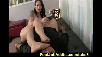 Footjob therapy with Ashton Pierce