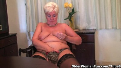 Chubby granny in stockings pla
