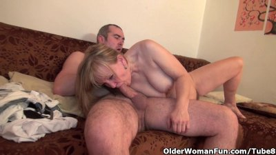 Grandma gets her hairy cunt fingered and fucked deep