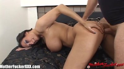 MotherFucker Huge Tit MILF get Slammed