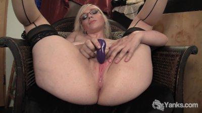Stockinged Ruby Vibrating her