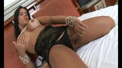 Shemale Hottie Gets A Mouth Full