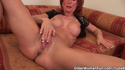 Sultry senior lady is toying h