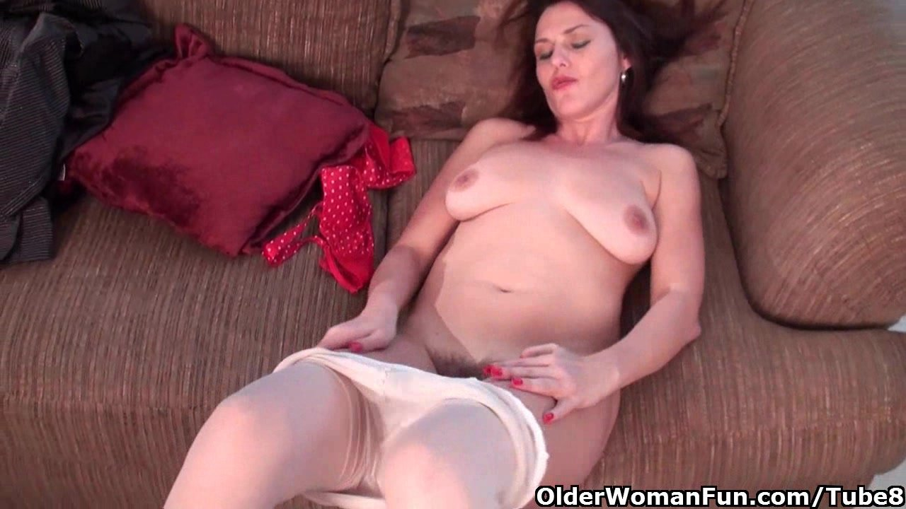 Business Milf In Pantyhose Works Hairy Pussy Porn Videos -1887