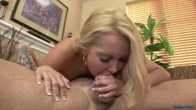 Aalyiah Love Wants Cummy In Her Tummy
