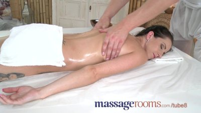 Massage Rooms Young petite beauty takes every inch of masseur's big dick