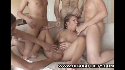 Kylee King Handles Four Dicks With Ease