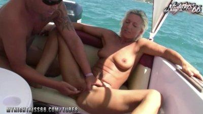 Nightkiss66 - auf Bootstour gefickt