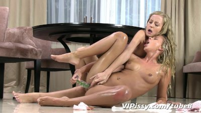 Hot blonde babes swap golden showers