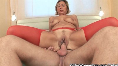 Mom needs cum and she knows how to get it