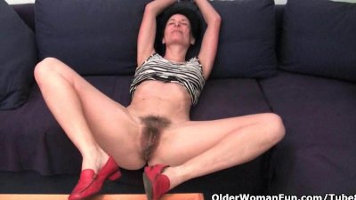 Elaina's Pussy Is Soaking With Juices