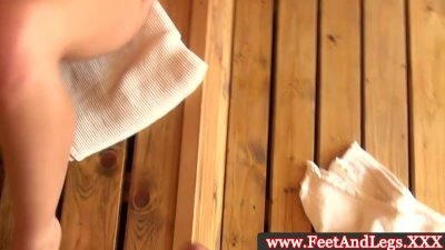 Sophie Lynx using her feet and mouth