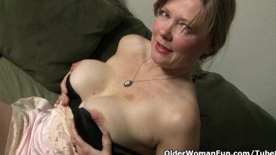 Mom looks so hot in her nylon stockings