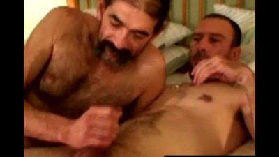 Hairy straight guy give old man a facial