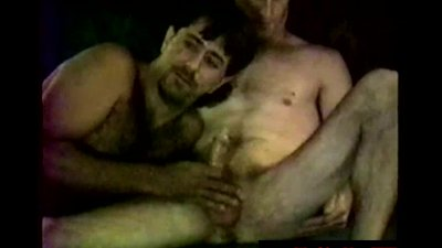 Hairy dirty exconvict giving cocksuck to his parole officer