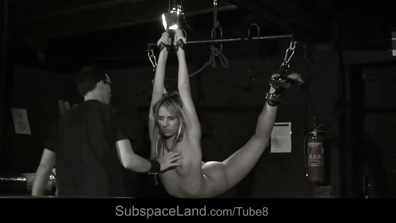 Nude Porn Pics Girl kilt upskirt