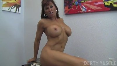 Fit MILF Pornstar Devon Michaels Masturbates