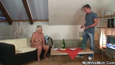 Horny old bag loves it from behind