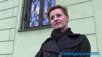 PublicAgent Short hair... -
