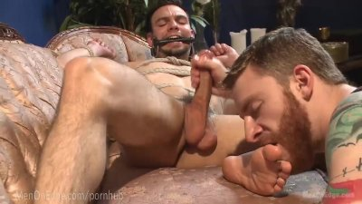 Muscled Stud Begs To Cum