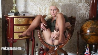 Horny blonde cougar housewife