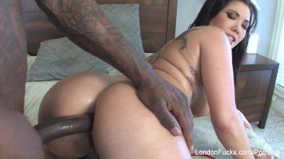 London Keyes gets her ass fuck