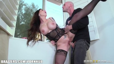 Hot Milf Darling Danika gets pounded by young stud - Brazzers