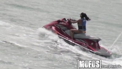 Mofos - Skinny beach girl gets