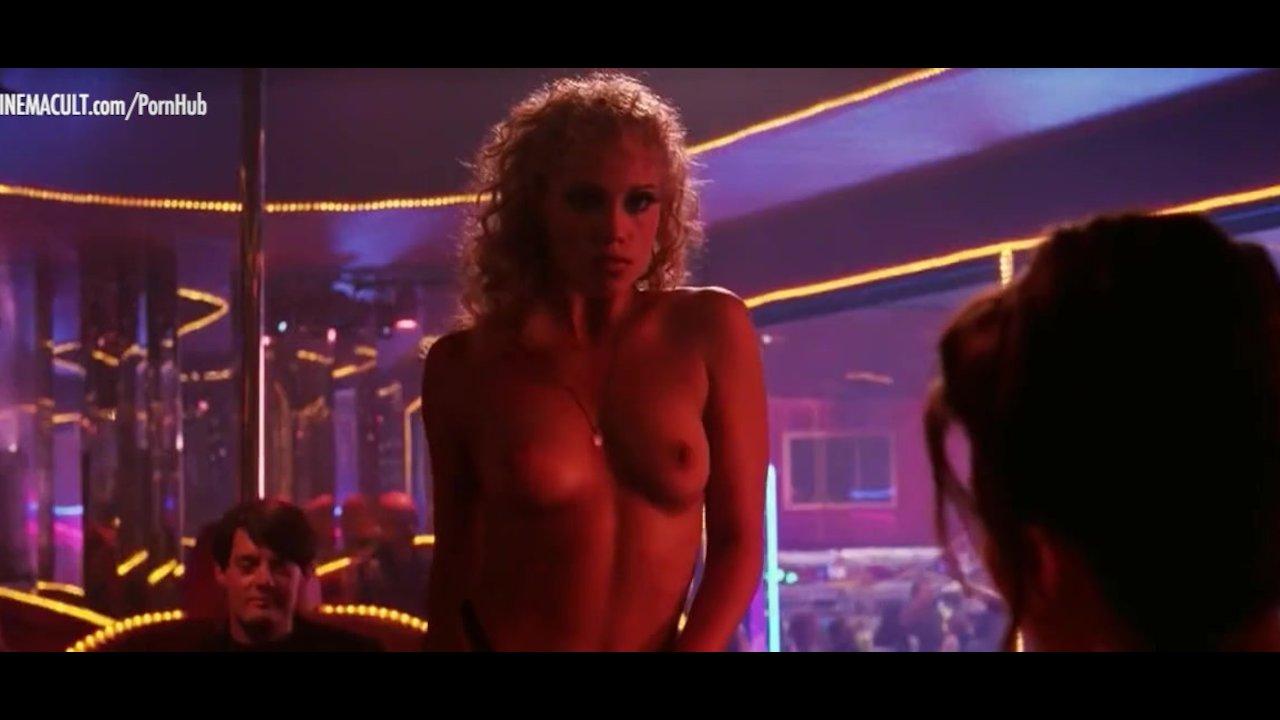 Pelicula Porno Doris Ivy gina gershon and elizabeth barkley nude scene from showgirls