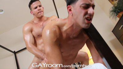 GayRoom Twink's muscled BF oils and massages him