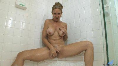 MILF Jenna Covelli Squirting I